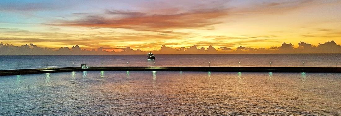 Auringonlasku Karibian risteilyllä