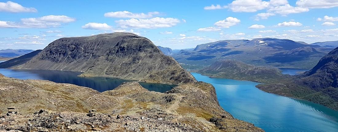 Besseggen Bessvatnet ja Gjende järvi
