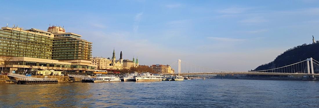 Budapest jokiristeilyllä