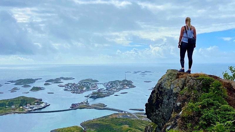 Festvagtind näköalapaikalla Norjassa Lofooteilla