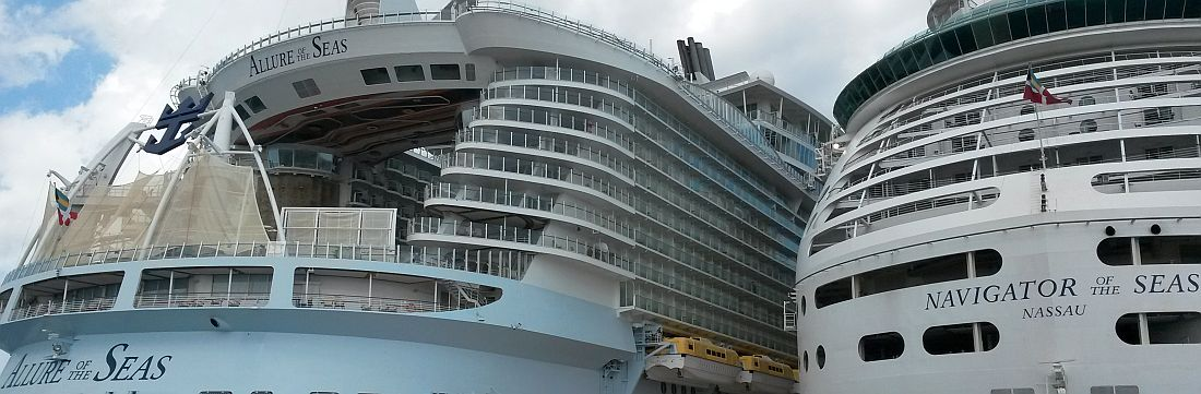 Royal Caribbean alukset Cozumelin satamassa