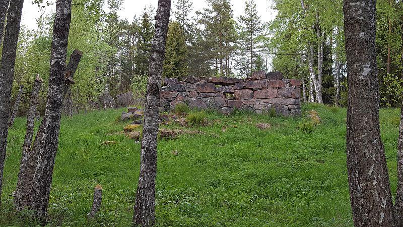 Torppien kivijalat Störsvikin ulkoilualueella