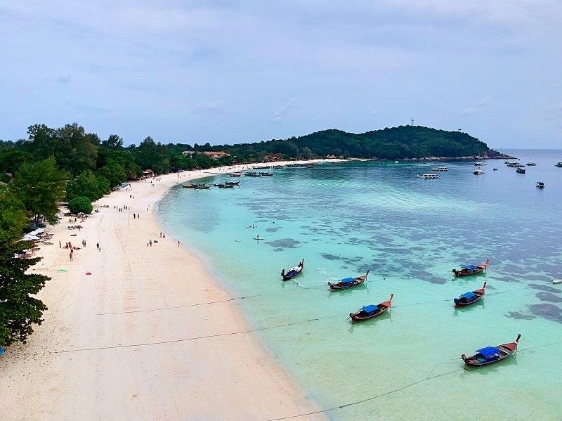 Pattaya ranta, jonne veneet saapuvat