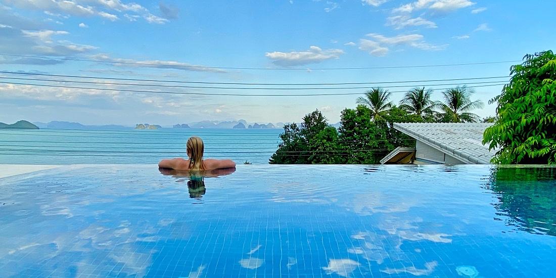 Koh Yao Yai Hillside resort villa omalla altaalla
