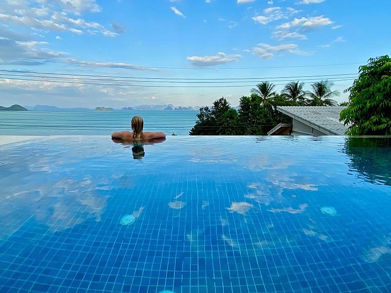 Hotelli Koh Yao Yailla omalla altaalla