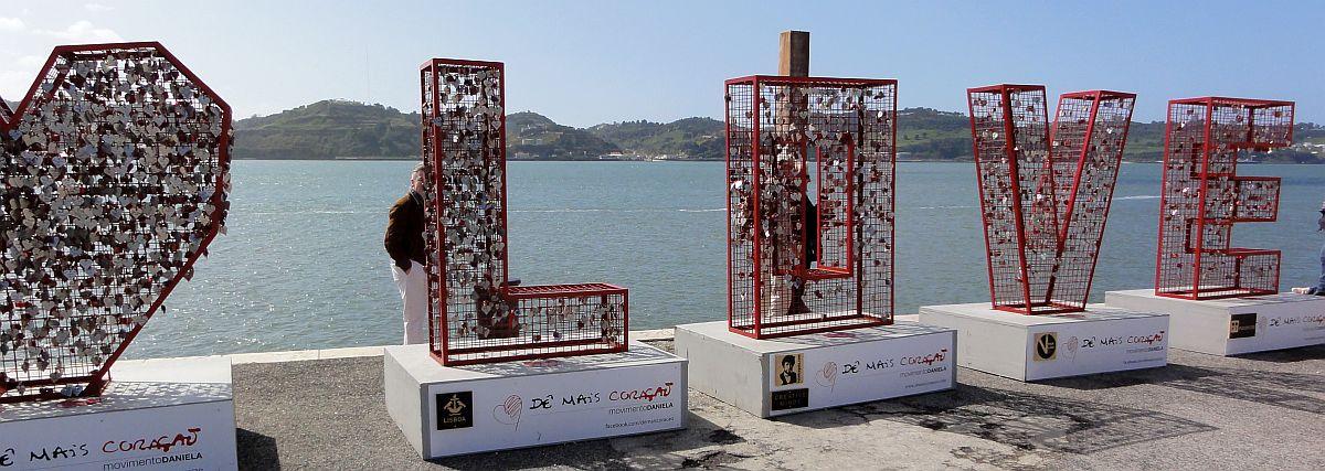 Rakkauslukkoja Lissabonissa