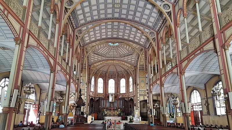 Fort de Francen kirkko sisältä