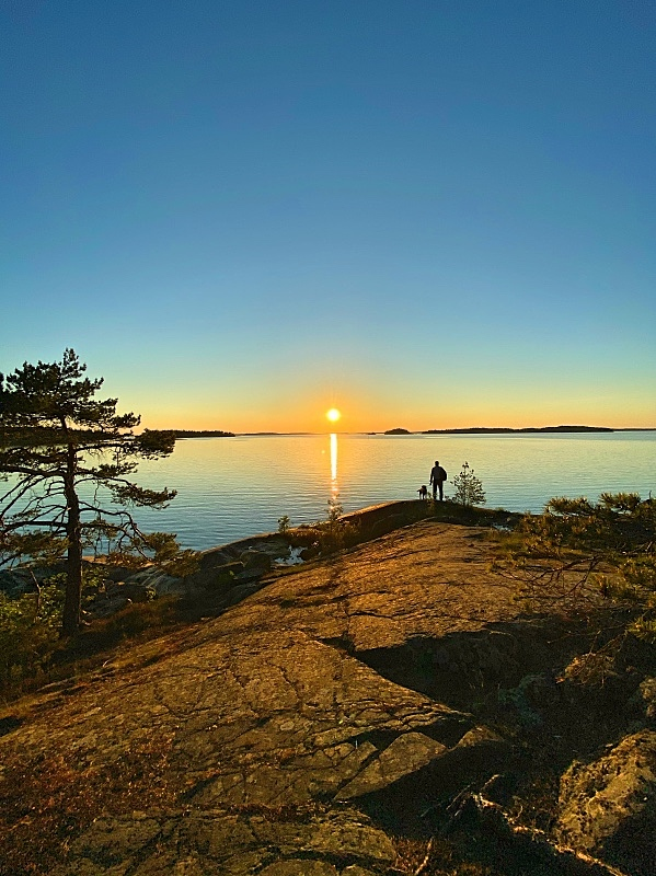Mossala auringonlaskun aikaan