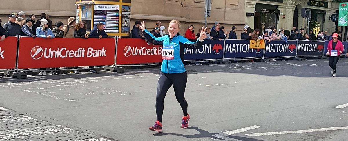 Praha maraton loppusuora ennen maalia