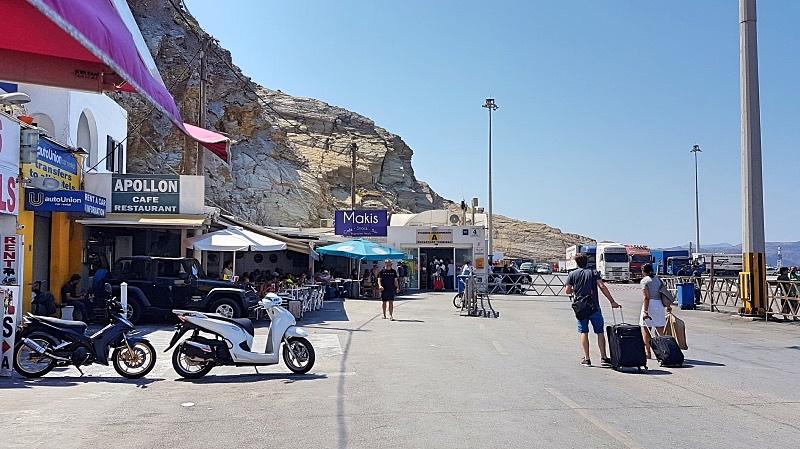 Thiran satama Santorinilla