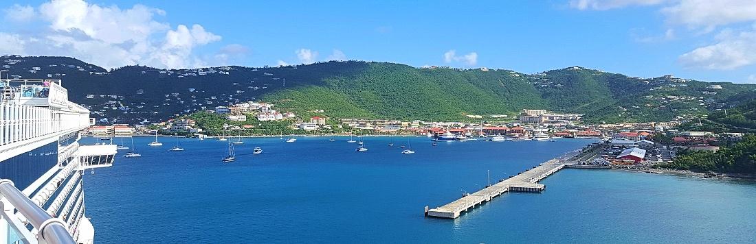 Royal Princess saapuu St.Thomasin satamaan Karibian risteilyllä