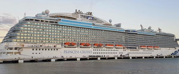 Princess Cruises, Royal Princess Amber coven satamassa
