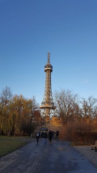 Petrinin kukkulan näköalatorni Prahassa